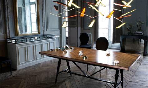 table et chaises salle a roche bobois