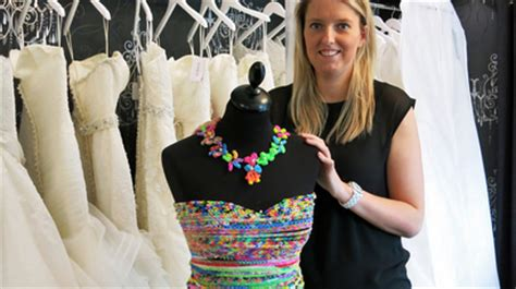loom band dress video 16 first child to make a adult stephanie bain creates first loom band wedding dress in