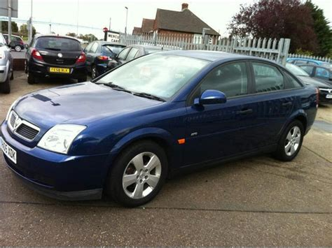 opel vectra 2005 1 9 cdti used blue vauxhall vectra 2005 diesel 1 9 cdti 16v life