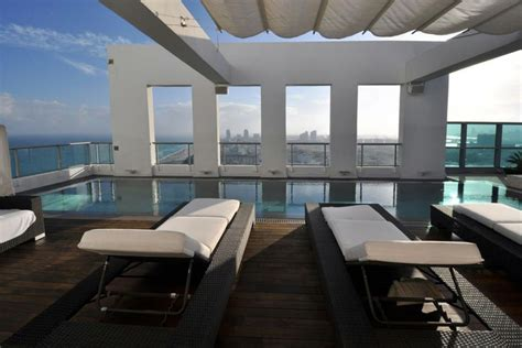 the luxury penthouses perched on the 36th floor of london celebrity retreat tour the penthouse at the setai miami