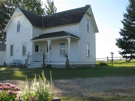 Minnesota Farmhouse Built In 1990 But Representative Of 1900 Farm House Plans