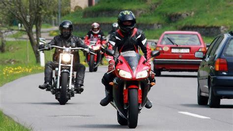 Motorrad Diebstahlschutz Versicherung by Saisonauftakt Motorrad Fahren Und Sparen N Tv De