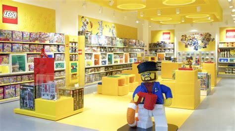 libreria ares roma arriva a roma un nuovo lego certified store
