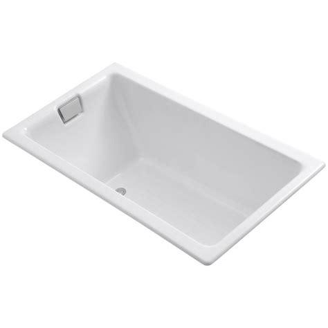 cast iron soaking bathtubs kohler tea for two 5 5 ft reversible drain cast iron