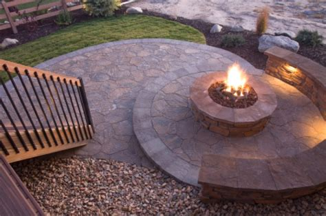 build a backyard fire pit how to build an outdoor fire pit buildipedia