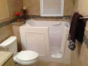 bathtub for seniors walk in walk in bathtub for seniors greglewandowski me