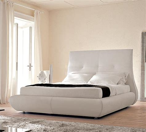 classy white bedroom elegant white bedroom interior design interiorholic com
