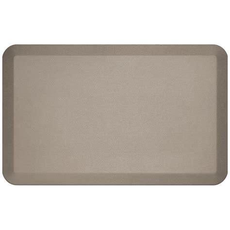 Pro Comfort Mat by Newlife Designer Pebble Caramel 20 In X 32 In Anti