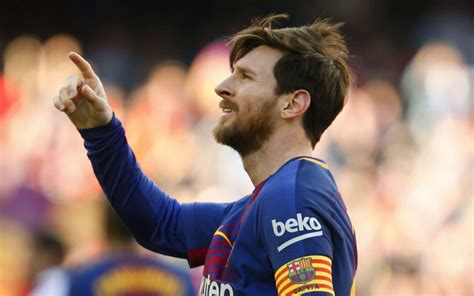 lionel messi biography in afrikaans messi takes barcelona 11 points clear ronaldo hits four