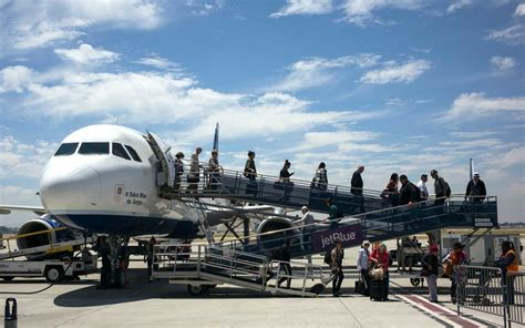 save money  searching  flights  smaller airports