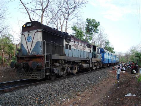 indian railways file indian railways diesel loco jpg wikimedia commons