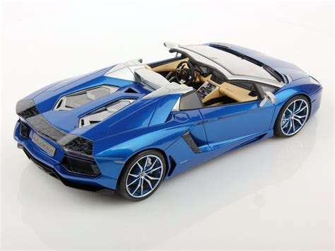 lamborghini aventador lp700 4 roadster kaufen lamborghini aventador lp700 4 roadster 1 18 mr collection models