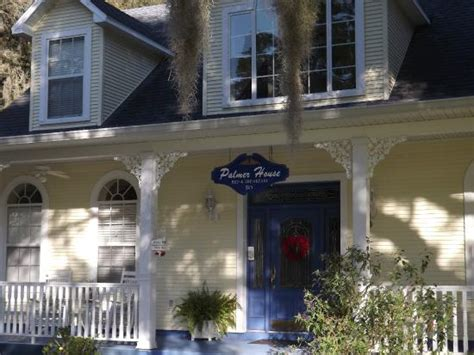 palmer home bed and breakfast the beautiful elegant front porch picture of palmer