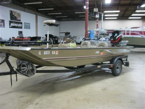 tritoon boats on craigslist 17 foot boats for sale in il boat listings