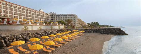 spiaggia giardini naxos elegante hotel in sicilia e giardini naxos