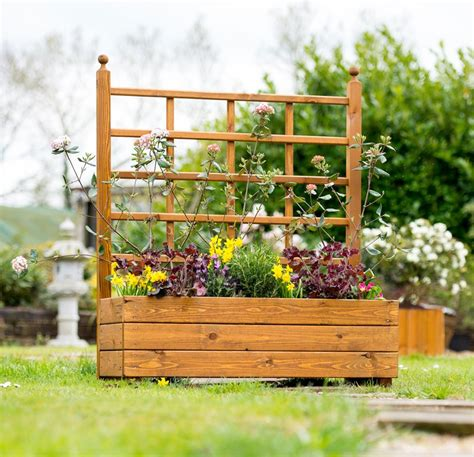 Wooden Planters With Trellis by Large Trellis With Planter