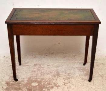 Schreibtisch Schubladen Einlagen by Antiker Kleiner Schreibtisch Aus Mahagoni