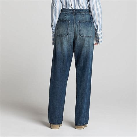 wear jeans in bathtub the best jeans to wear in london this autumn