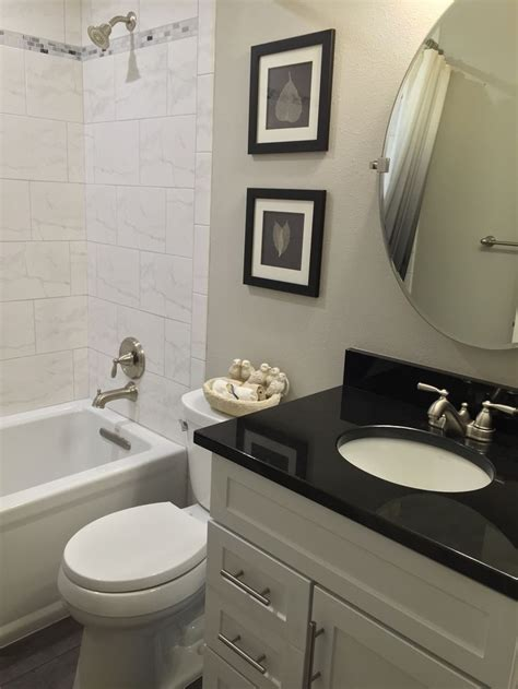 black granite bathroom best 25 granite bathroom ideas on pinterest white