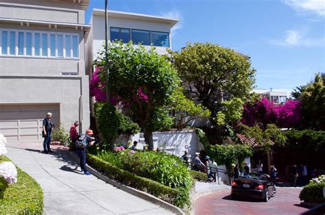 lombard street houses things to do when visiting san francisco the lovely girl