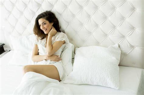 gut im bett frau bakterielle vaginose erkennen und behandeln lz