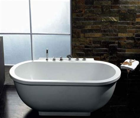 bathtub reviews 2012 whirlpool tubs product review classic comfort from