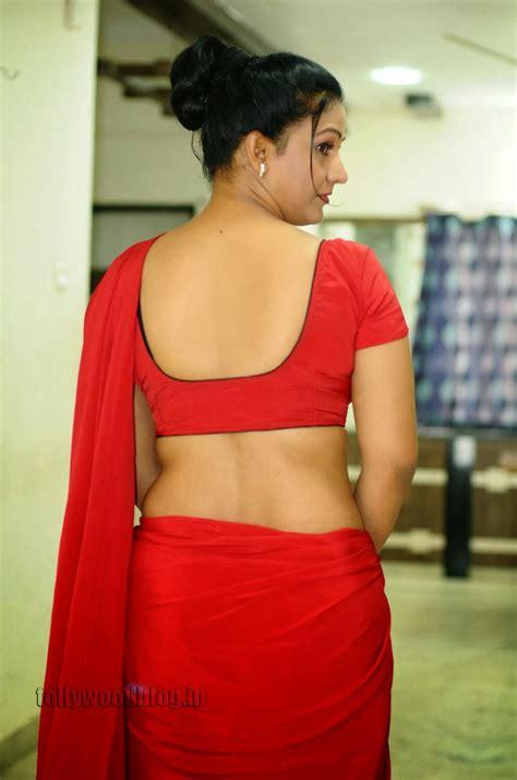 hot indian aunties photos saree pics mallu aunties picture apoorva aunty hot red saree