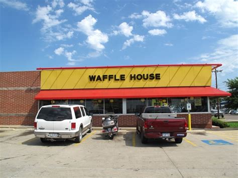 waffle house health insurance 8 weird things that happened at waffle house odd or what page 3