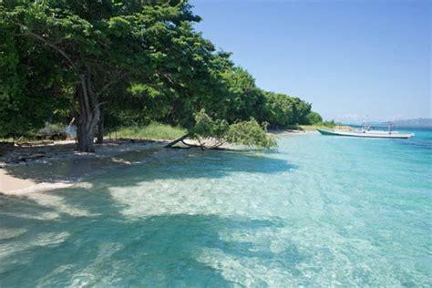 favourite beaches  islands  indonesia