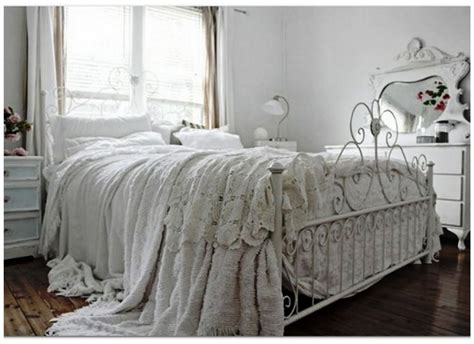 vintage your room with 9 shabby chic bedroom furniture ideas atzine com
