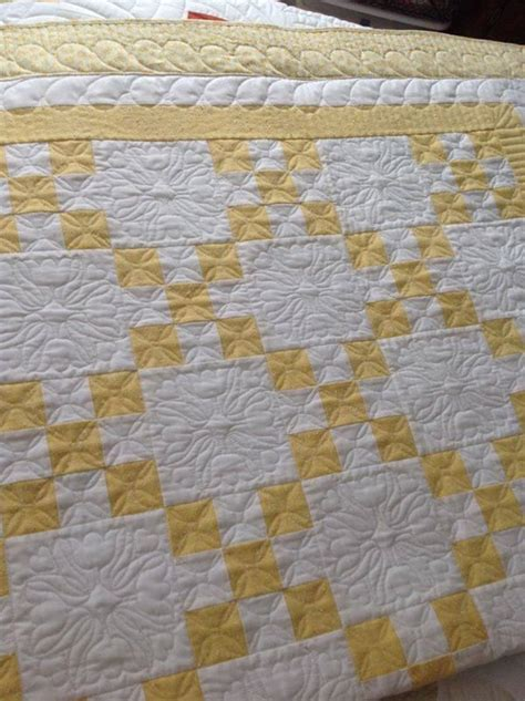 Yellow Quilt 25 Best Ideas About Yellow Quilts On Layer