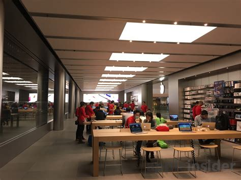 third floor opens at ifc mall apple store in hong kong