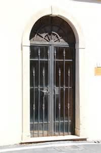 ingressi in pietra foto di portoncini e portoni di ingresso in pietra o marmo