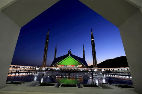 Iconic Architecture 9 most beautiful mosques in pakistan the express tribune