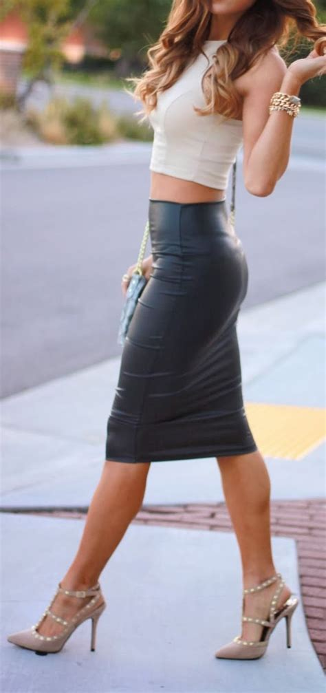 leather skirt stylin