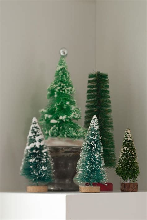 home  filled  vintage christmas decor ideas southern living