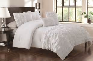 white bedding myideasbedroom
