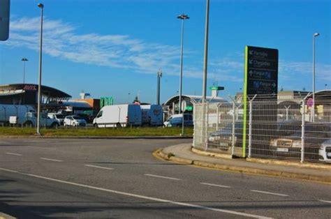 avis porto airport returning your car hire to porto airport
