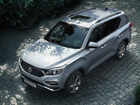 new mahindra suv rexton rumor new ssangyong mahindra rexton india launch by 2018