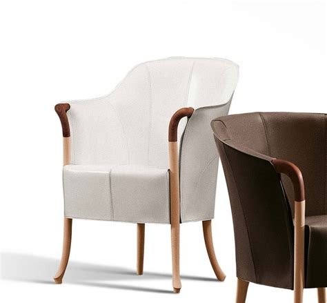 Saddle Armchair by Buy The Giorgetti Progetti Saddle Leather 64220 Armchair At Deplai