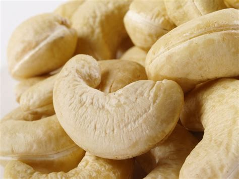 Kacang Mede Thailand By Bia Shop organic cashews by the pound nuts