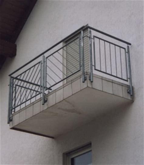 Balkongeländer Mit Treppe by Gel 228 Nder Balkongel 228 Nder Feuerverzinkt Mit Schr 228