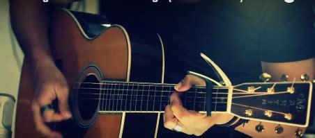 tutorial belajar memetik gitar belajar memetik senar gitar yang benar dengan cepat wtu