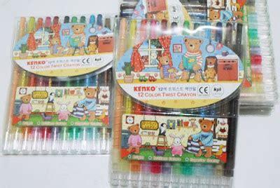 Paket Buku Mewarnai Boneka Set Crayon Putar Hello Keterilan crayon putar kenko 12 warna murah harga grosir grosir