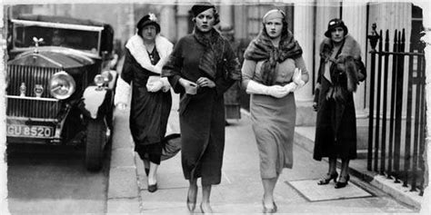 Fashion in the 1930s clothing styles trends pictures amp history