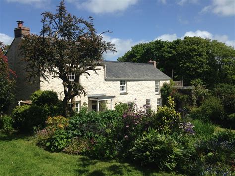traditional cornish mining cottage in gardens