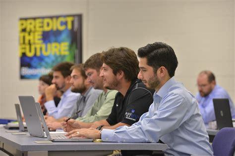 Mba Schools In San Antonio by St S Adds Mba Program To Grad School