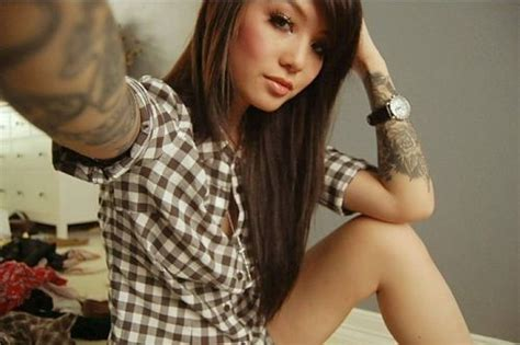 hot chicks with tattoos with tattoos gallery thechive
