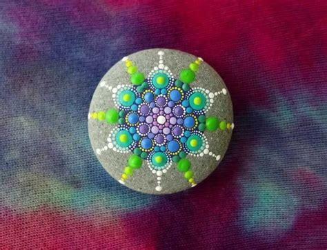 stein muster malen die besten 25 mandala steine ideen auf