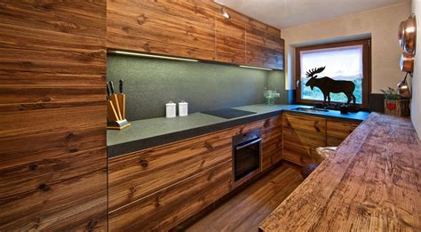 illuminazione sottopensili cucina illuminare il piano cucina 7 consigli utili brillamenti